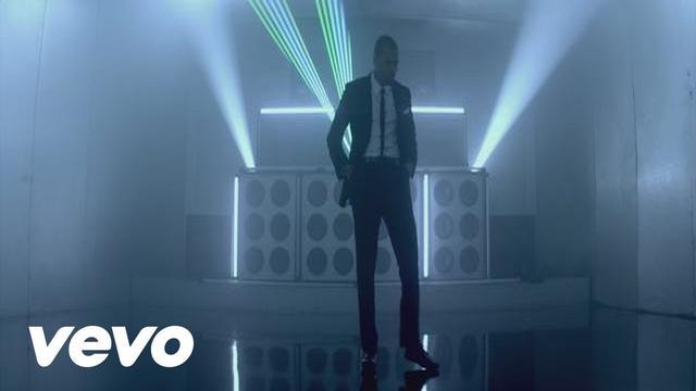 画像: Chris Brown - Turn Up the Music youtu.be