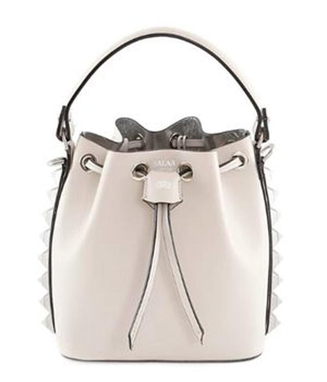 画像6: オリヴィアが持っているバッグをスタイルと共に紹介