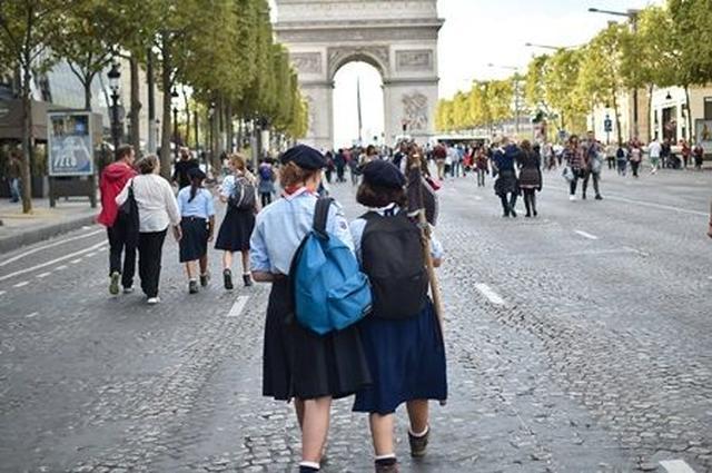 画像1: パリ市内から7時間だけ車が消える「自動車のない一日」にパリの街を散策