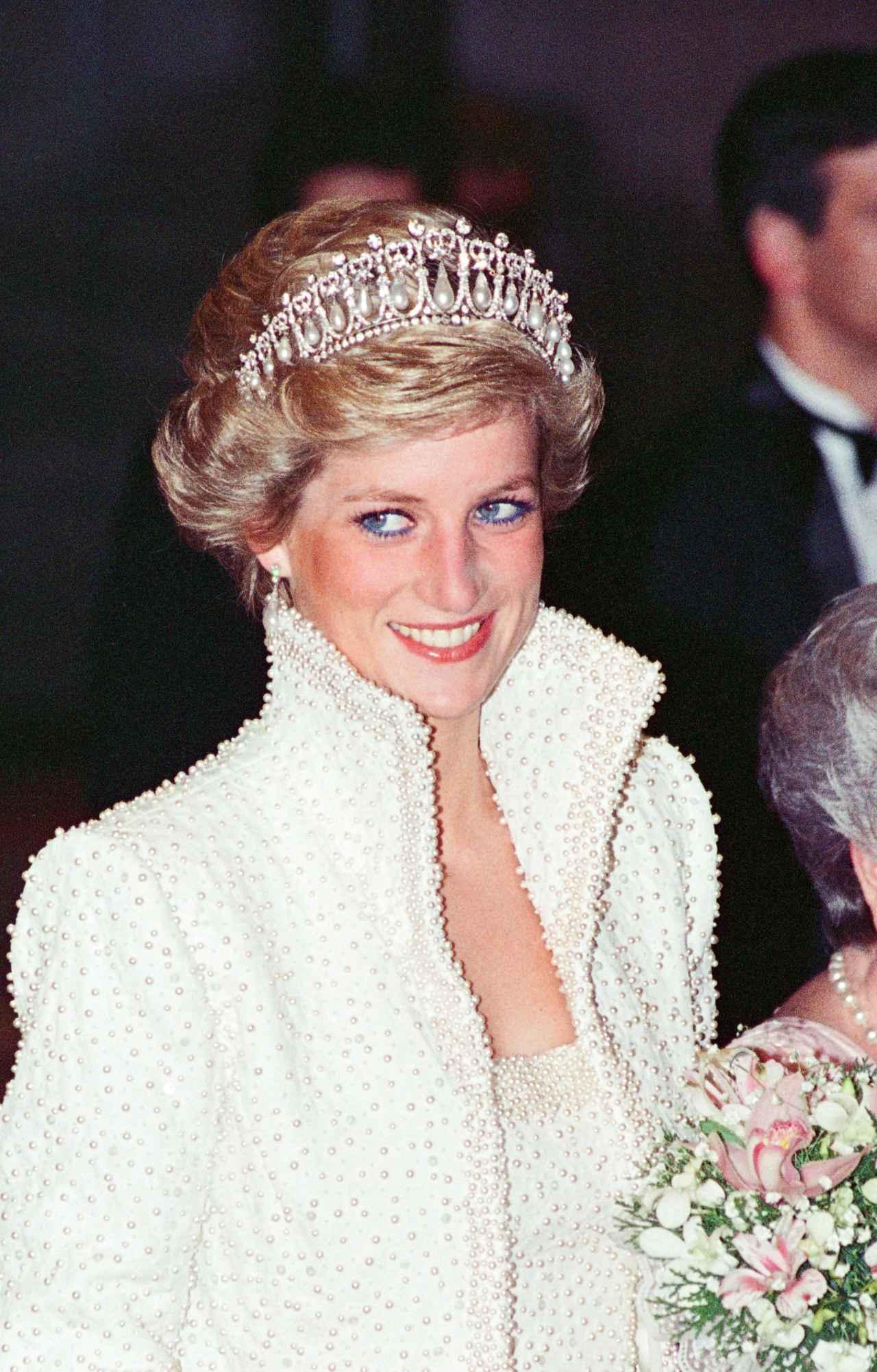 画像: ダイアナ妃も1989年に香港でこのティアラを着けている。