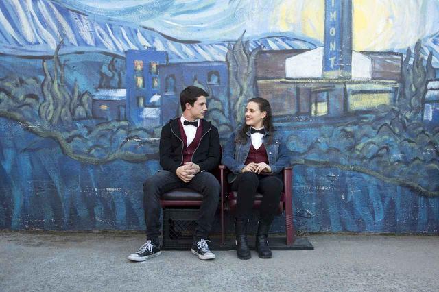 画像1: セレーナも祝福!『13の理由』キャサリン・ラングフォードがゴールデン・グローブ賞にノミネート