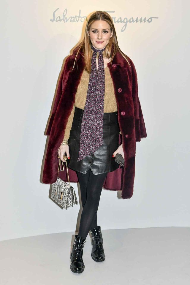 画像1: オリヴィア・パレルモによる、冬でも寒くないミニスカートの着こなし