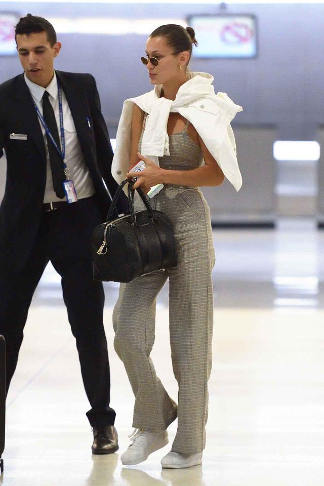 画像3: 楽なのにオシャレ!空港での海外セレブに学ぶ旬なジェットセットスタイル