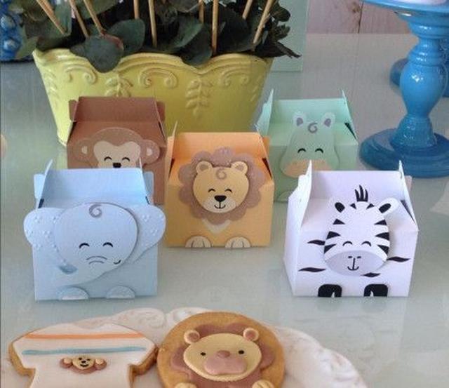 画像: お茶が入ったボックスやクッキーにもニコニコ顔のアニマルが。 ⒸDoce Ideia