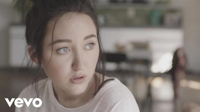 画像: Noah Cyrus - Make Me (Cry) (Official Music Video) ft. Labrinth www.youtube.com