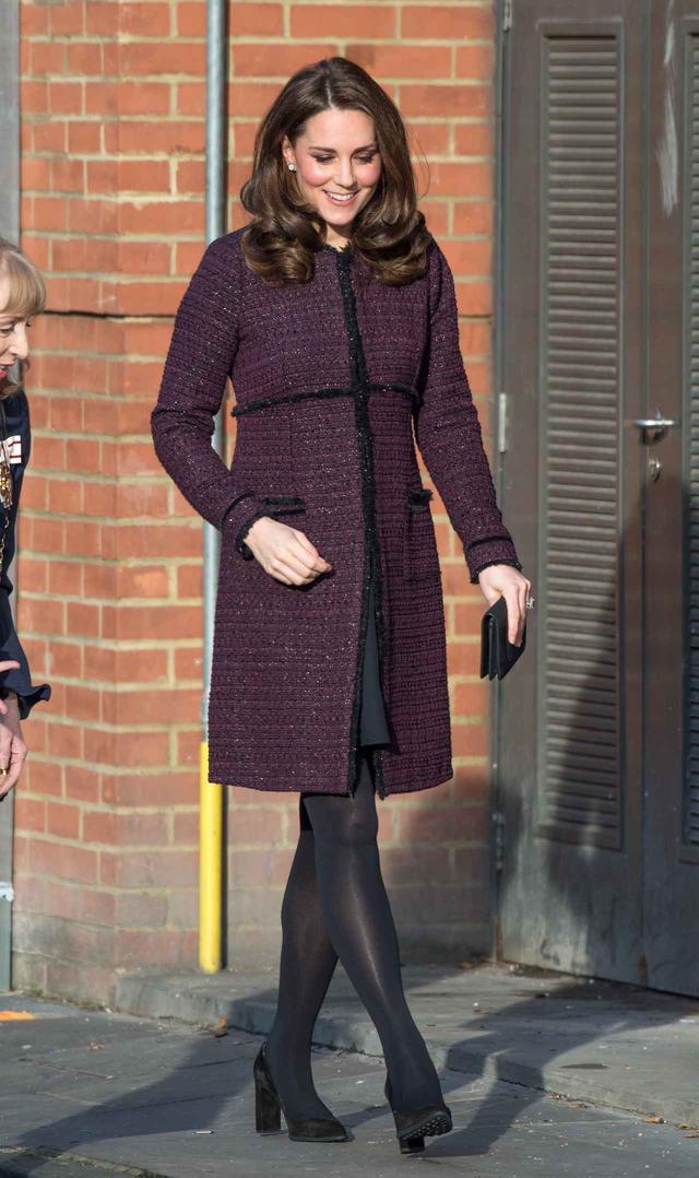 画像1: キャサリン妃、3年前に着ていたマタニティコートを着回し