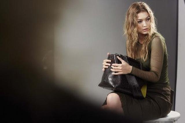 画像4: ジジ・ハディッドが、2年連続でマックスマーラの広告モデルに!