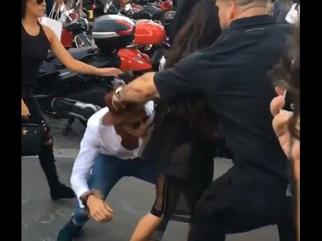画像: Kim Kardashian attacked in Paris by Prankster www.youtube.com