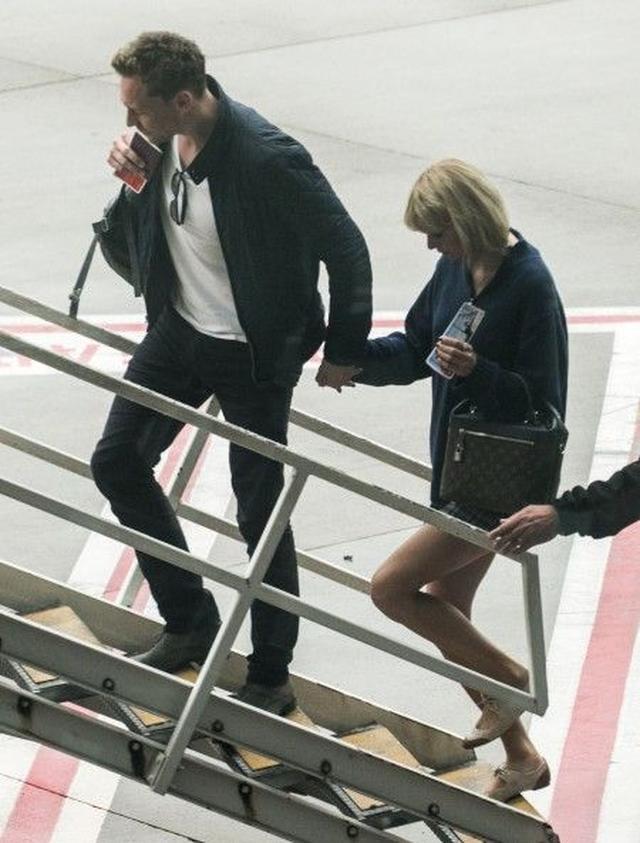 画像4: 【写真入手】テイラー・スウィフト&新恋人、今度はオーストラリアに降り立つ