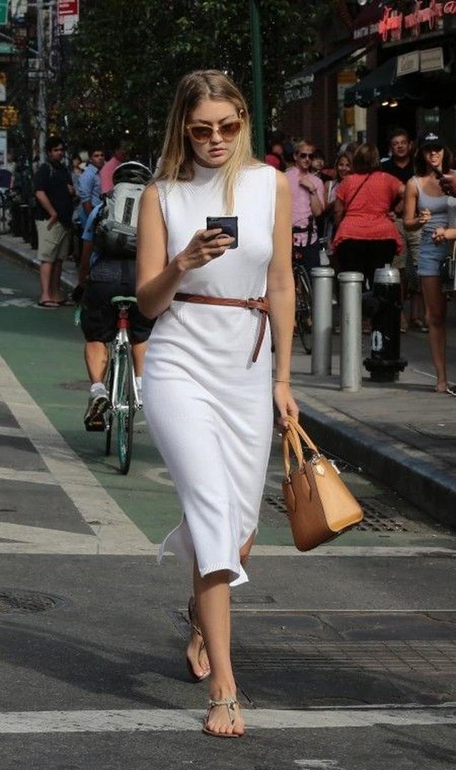 画像3: とにかく白が好き!次世代おしゃれモデル、ジジ・ハディッドの白コーデ15選
