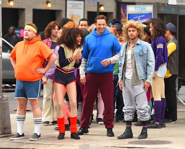 画像: 【動画アリ】ヒュー&ゼンデイヤ&ザックの横断歩道ゲリラミュージカルが爆笑
