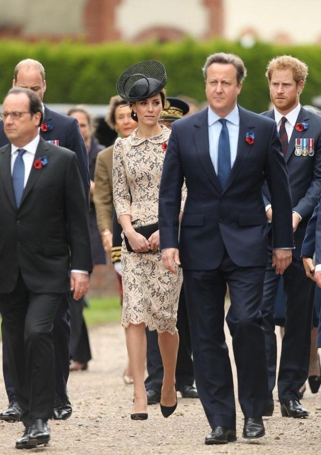 画像: 7月1日、フランス北部で催されたのティエプバル戦没者慰霊碑の追悼式典にて。