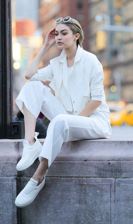 画像1: とにかく白が好き!次世代おしゃれモデル、ジジ・ハディッドの白コーデ15選