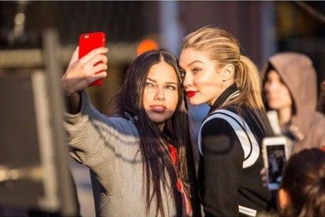 画像: 人気モデルがみんなやってる おしゃれなインスタ写真の撮り方はコレ!