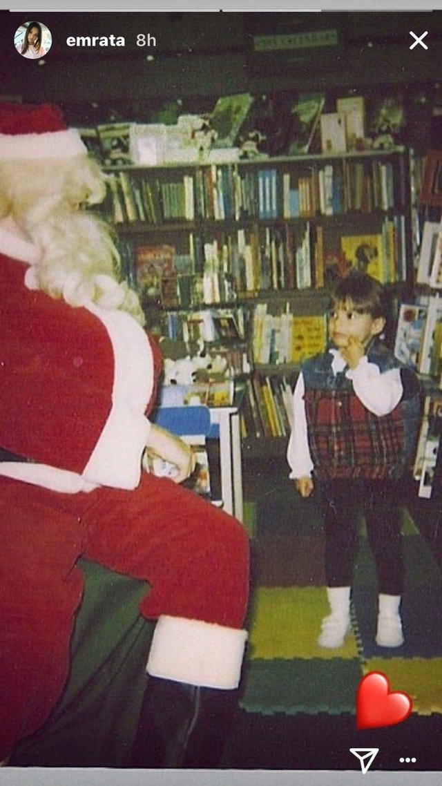 画像: サンタさんに会った少女エミリー