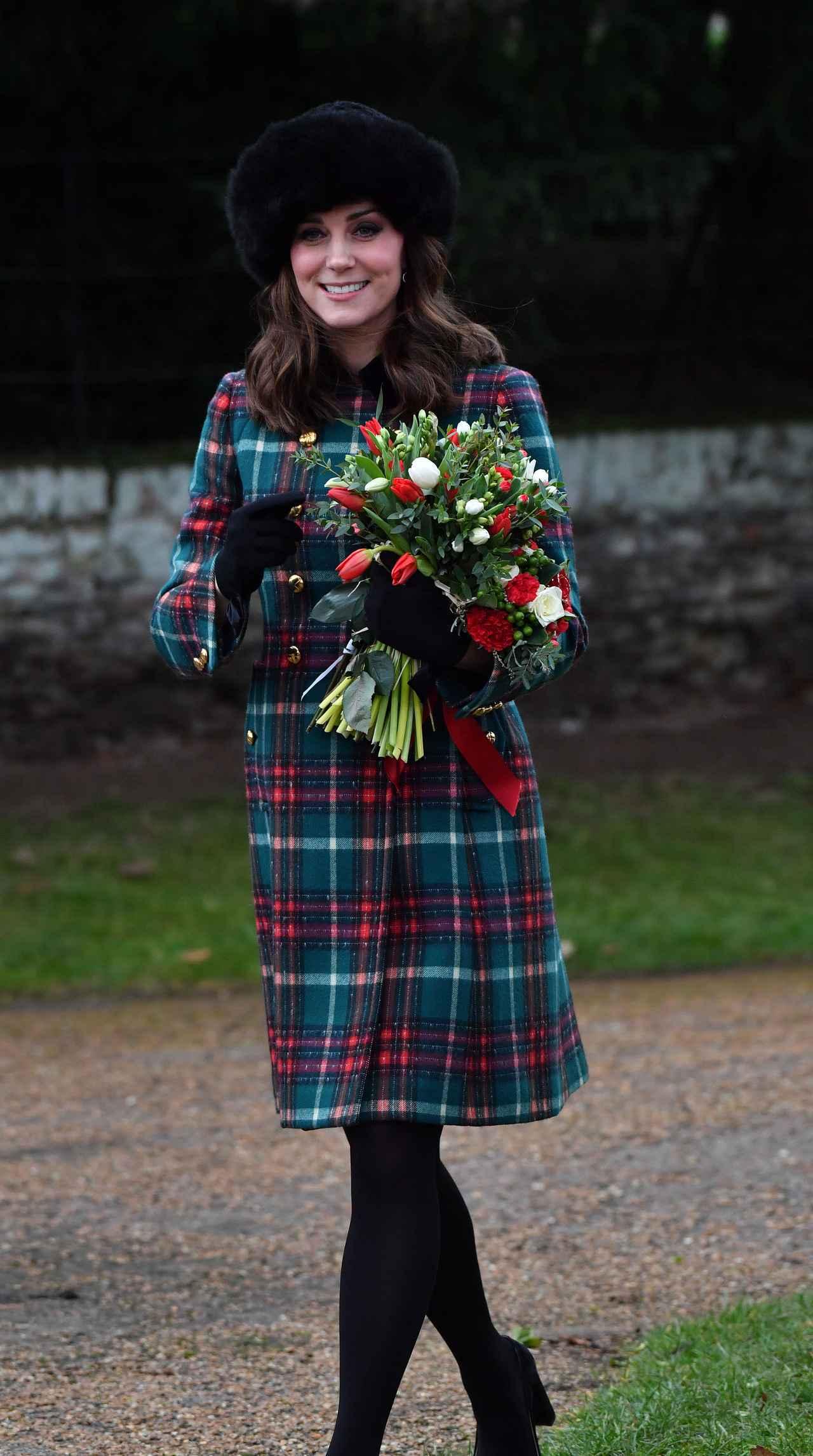 画像3: キャサリン妃とのショットも!ヘンリー王子の婚約者メーガン、英王室の恒例行事に参加