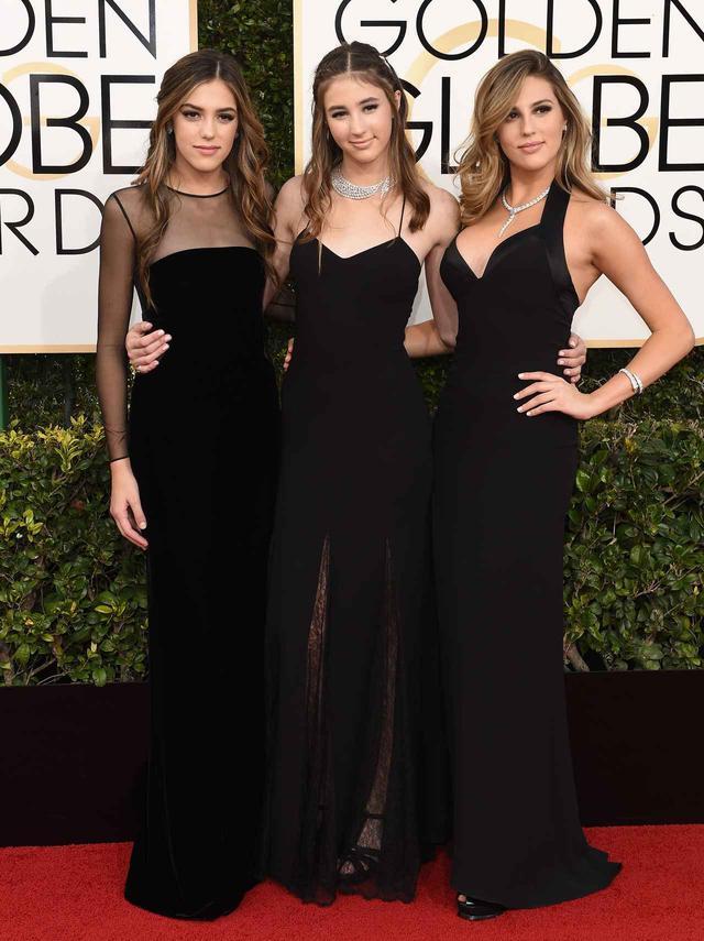 画像: 映画『ロッキー』シリーズのシルベスター・スタローンを父親に持つ美人3人娘。左からシスティーン、スカーレット、ソフィア。