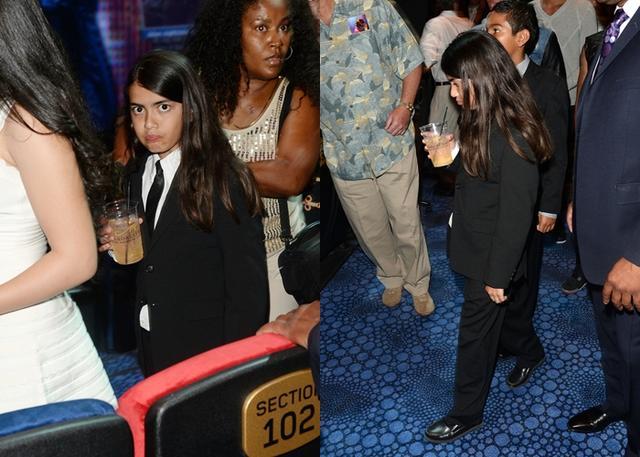 画像: 家族とともに『マイケル・ジャクソン:ワン』を鑑賞に訪れた当時9歳のブランケット。
