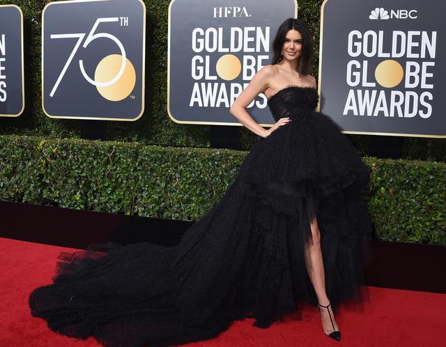 画像8: 第75回ゴールデン・グローブのファッション速報!レッドカーペットは黒一色