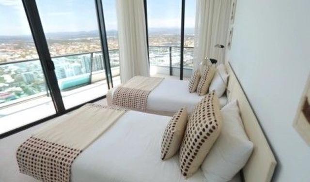 画像1: 【写真アリ】テイラー・スウィフトが俳優恋人と泊まっている部屋は1泊10万円
