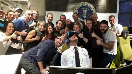 画像2: VRを楽しむオバマ大統領の写真が公開され、ネット民がフォトショで大遊び