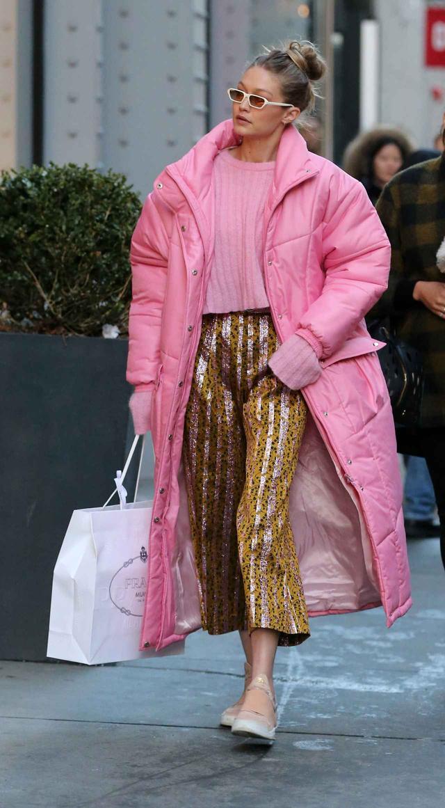 画像2: 人気モデル、幸せオーラ満開のピンクコーデで視線を奪う