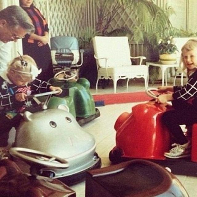 画像: 誕生日に親が自宅にバンパーカーをレンタル