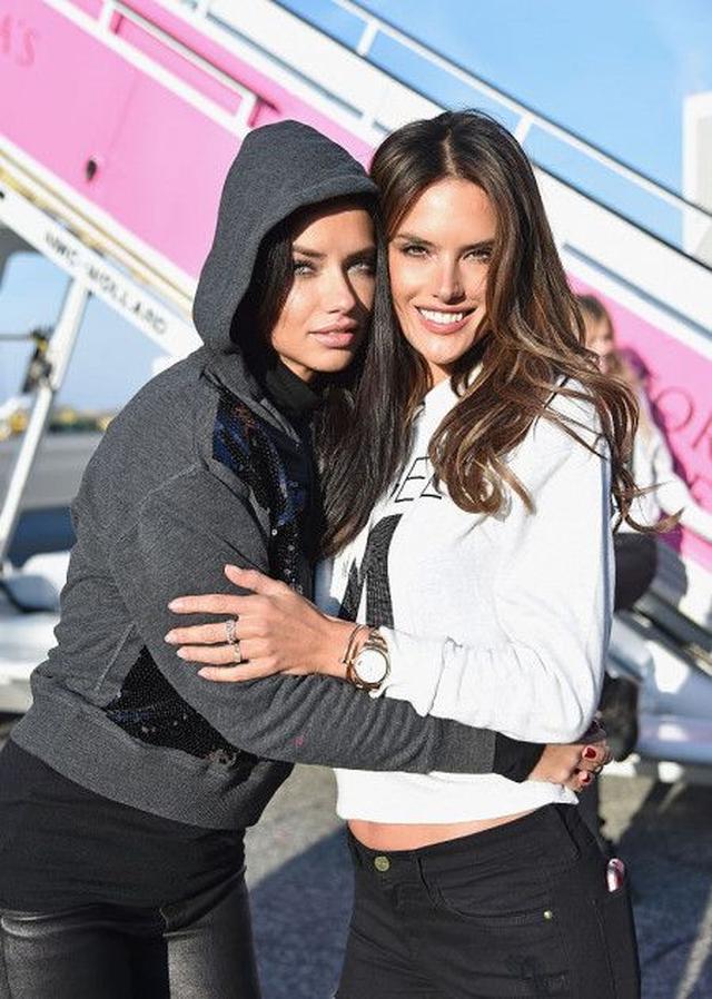 画像: ヴィクシーのアレッサンドラとアドリアナがリオ五輪の特別アンバサダーに