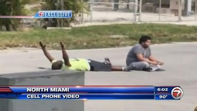 画像: 警官が無抵抗の黒人男性に発砲した事件に対し、セレブたちから怒りの声