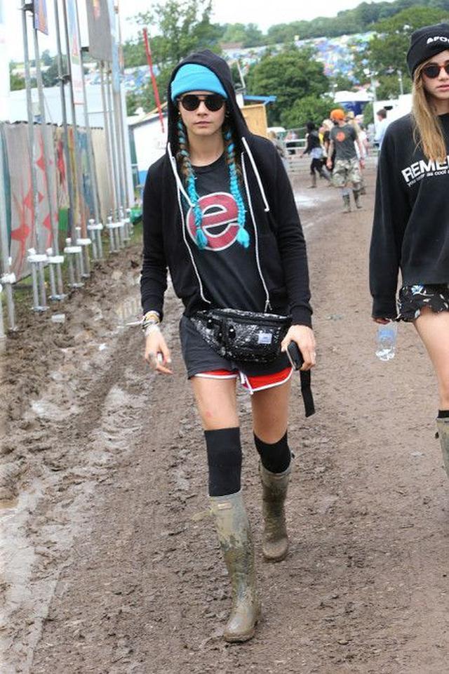 画像: 野外フェスに必須! セレブたちのおしゃれな長靴フェス・スタイル