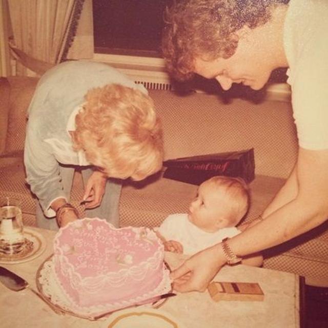 画像: 1歳の誕生日ケーキが超豪華