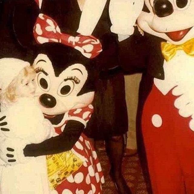 画像: ディズニーランドではミッキーマウス&ミニーマウスと特別対面