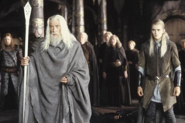 画像: 左が、イアン演じるガンダルフ。