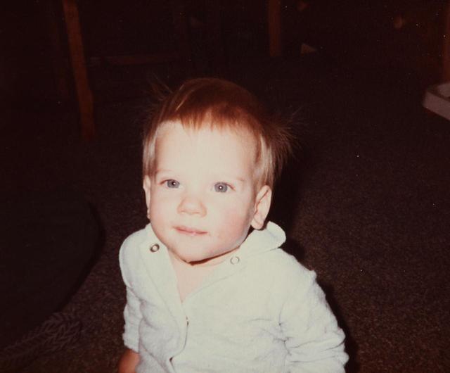 画像1: 天使のような赤ちゃんは誰?
