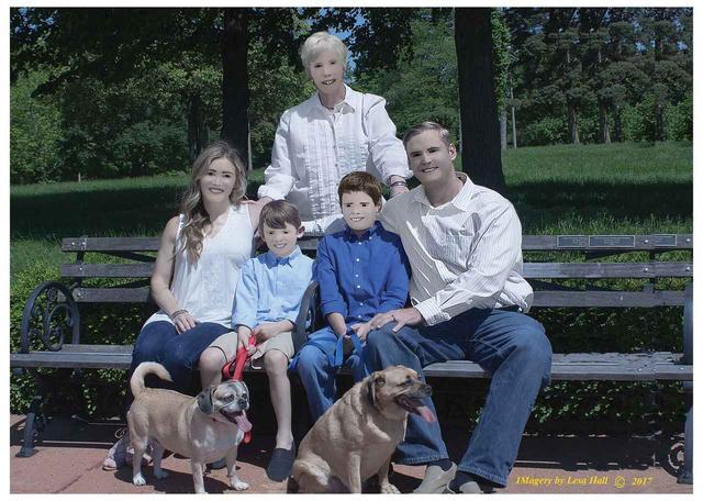 画像5: 家族写真のはずがホラー写真に