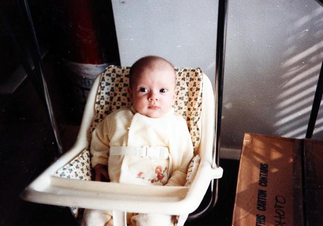 画像: 生後6ヵ月のスカーレット。大きな瞳が天使のように可愛い。