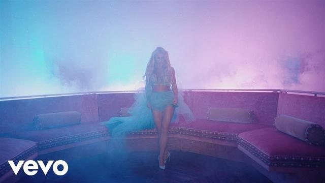 画像: Britney Spears - Slumber Party ft. Tinashe www.youtube.com