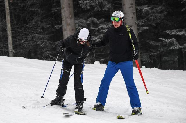 画像3: もはや2人きりの雪山デート
