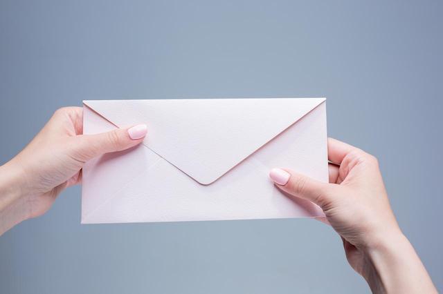 画像: 7歳の少年、死んだはずの祖母から手紙が届く