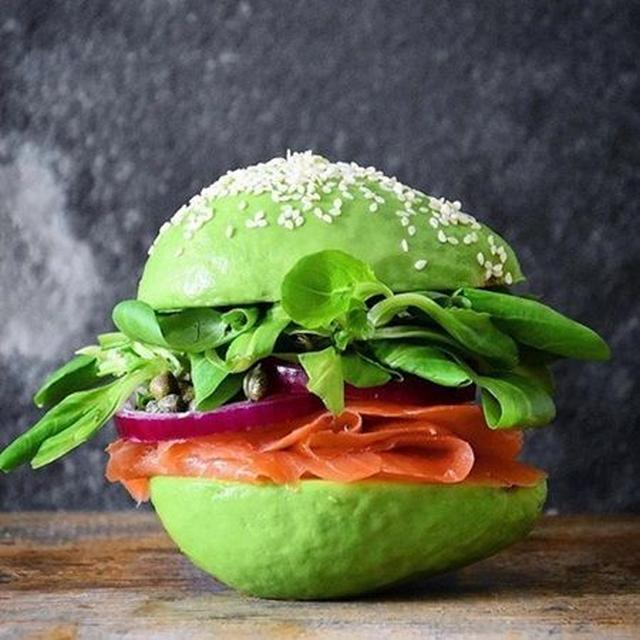 画像: 次なるブームは、ハンバーガーのパン生地にアボカドを使った「アボカド・バン」!