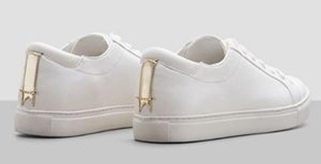 画像2: 白スニーカーが大人気!セレブが夢中なのはこのブランド!