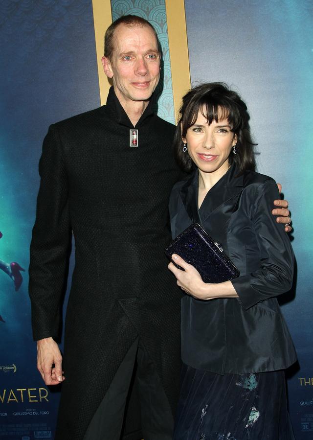 画像: 半魚人の彼を演じているのは192㎝の高身長俳優ダグ・ジョーンズ。主演のサリー・ホーキンスは主演女優層部門の最有力候補と言われている。