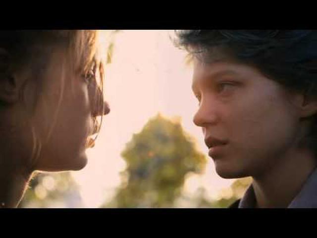 画像: 映画『アデル、ブルーは熱い色』予告編 www.youtube.com