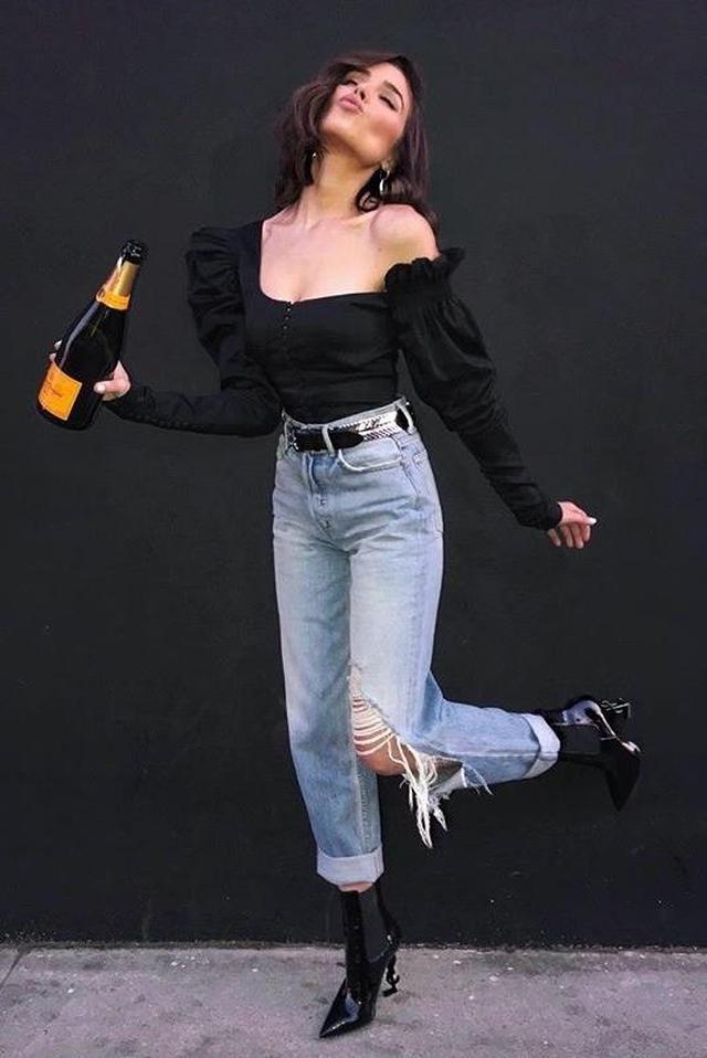 画像1: ミスユニバースで女優のオリヴィア・カルポ