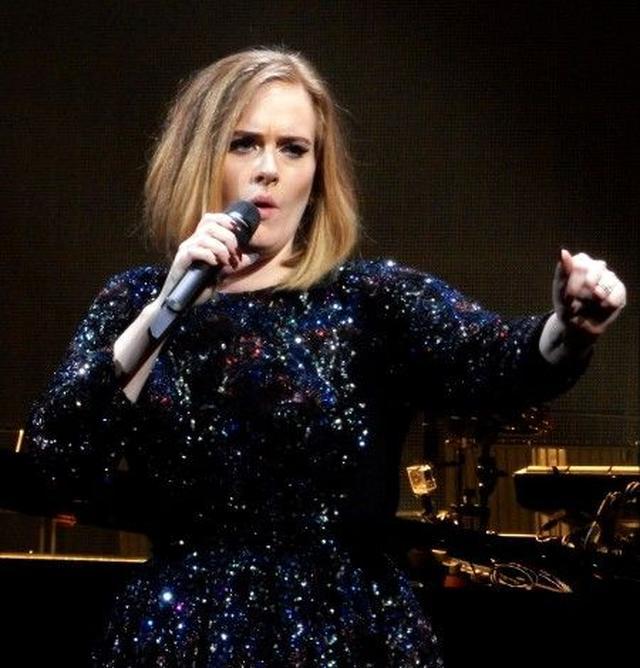 画像: 【動画】ギネス世界記録に認定されている歌手アデルがファンのある行動をお説教