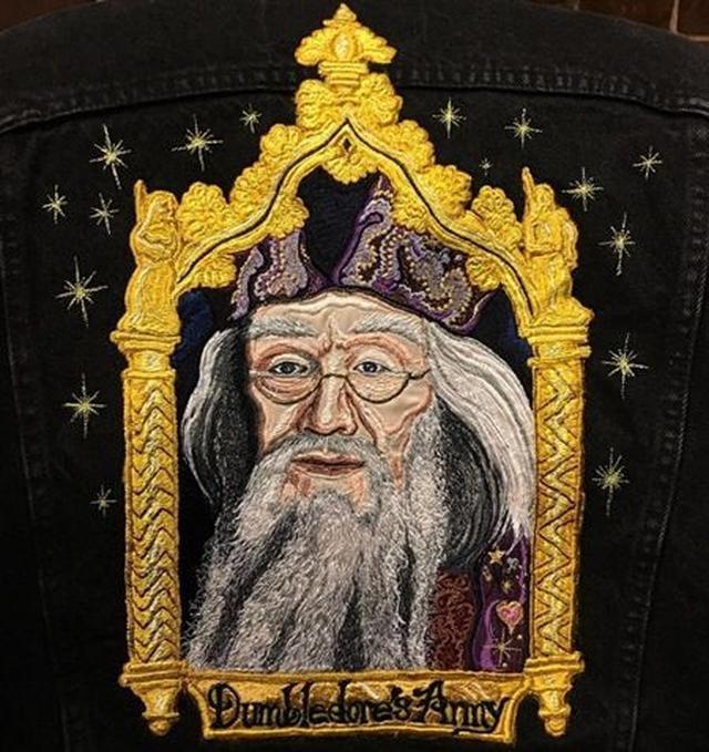 画像: 一番下には「Dumbledore's Army(ダンブルドア軍団)」の文字が。