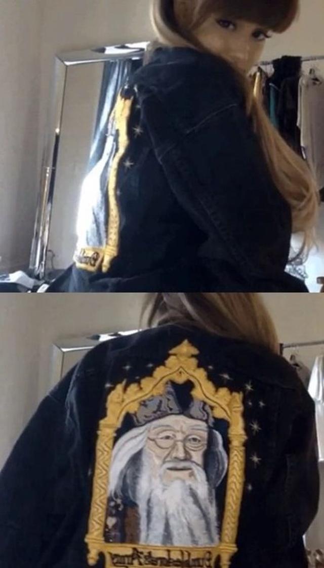 画像: ジャケットを着た動画を投稿した。