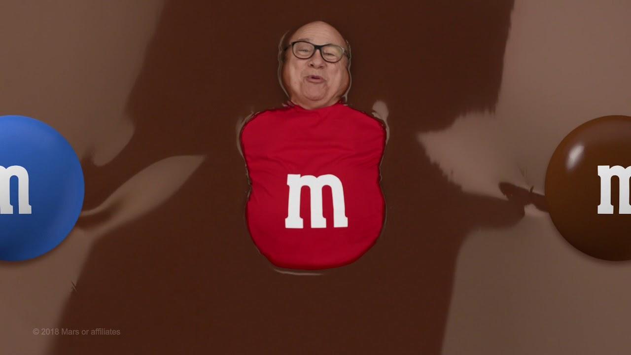 画像: M&M's Super Bowl Teaser 2018 (featuring Danny DeVito) :15 www.youtube.com