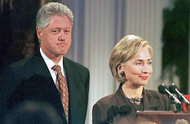 画像: ヒラリー・クリントンの夫ビル・クリントンは、大統領就任当時、ホワイトハウス実習生との不倫スキャンダルを起こした。©ニュースコム