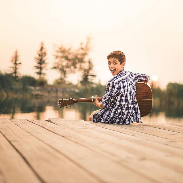 画像: 「音楽は僕を笑顔にしてくれるんだ」とアッシャー。©Asher Angel/Instagram